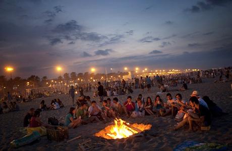Celebra la noche de San Juan en Valencia